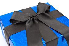 Free Gift Box With Black Bow Royalty Free Stock Photography - 14801457