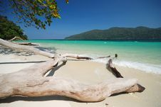 Free Clear Sea At Adung Island Royalty Free Stock Images - 14807229