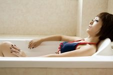 Free Beautiful Woman In Bathroom Royalty Free Stock Photography - 14807357