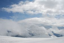 Free Mountain Winter Slope In Clouds. Royalty Free Stock Images - 14809099