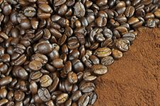 Free Coffee Beens With A Background Of Coffee Stock Photo - 14811530