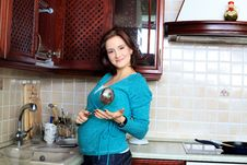 Free Cooking Housewife Royalty Free Stock Image - 14814886