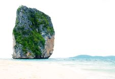Free High Cliff On Poda Island Stock Photography - 14816432