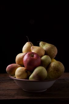 Free Variety Of Pears And Apples Royalty Free Stock Image - 14816506