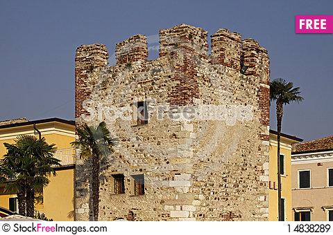 Free Bardolino, Old Town With An Old Tower, Italy Royalty Free Stock Images - 14838289
