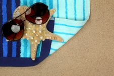 Free Colorful Summer Beachwear Royalty Free Stock Photography - 14833077