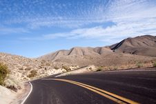 Winding Desert Highway Royalty Free Stock Photography