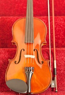 Free Violin On Stairway Royalty Free Stock Photography - 14839637