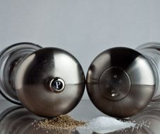 Free Salt And Pepper Shakers Stock Photography - 14839712
