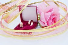 Free Rose And Wedding Rings Royalty Free Stock Photo - 14841655