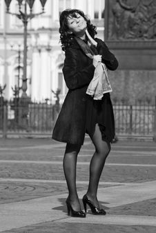 Free Beautiful Italian Woman On The City Street Royalty Free Stock Photography - 14841957
