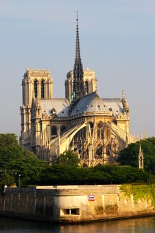 Free Notre Dame Royalty Free Stock Images - 14846559