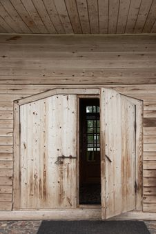 Free Front Wood Door Stock Photography - 14853652