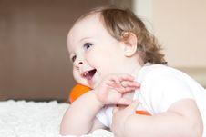 Free Little Girl With Tangerines Royalty Free Stock Images - 14865439