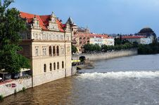 Free River Bank  Of The Vltava Prague Royalty Free Stock Images - 14865519
