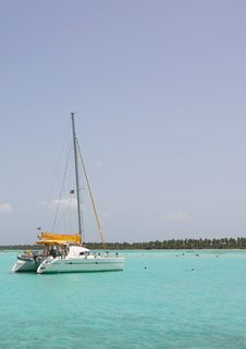 Free Catamaran And People Swiming Stock Photography - 14869452