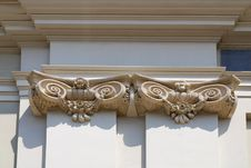 Free Classical Architectural Column Royalty Free Stock Photo - 14871345