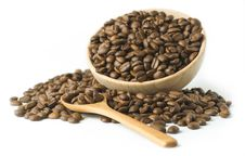 Free Roasted Coffee Beansin A Wooden Cup Royalty Free Stock Photo - 14871635