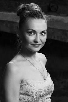 Free Portrait Of Beautiful White Woman Stock Photography - 14875772