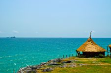Bamboo Hut On Cliff Royalty Free Stock Images
