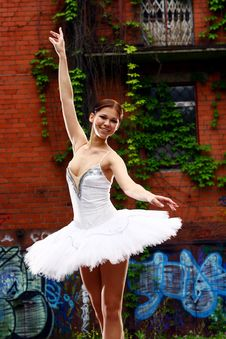 Free Beautiful Ballerina Dancing Ballet Dance Stock Images - 14878064
