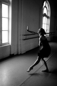 Free Dancer In Studio Royalty Free Stock Photo - 14878405