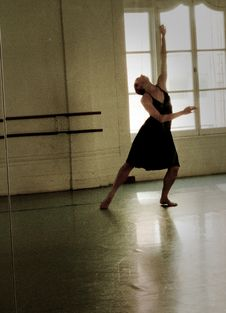 Free Dancer In Studio Stock Images - 14878424