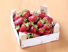 Free Fresh Strawberries Royalty Free Stock Photos - 14881548