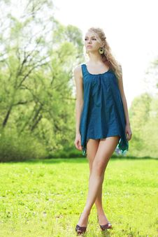 Free Beautiful Slender Girl In A Park Stock Photo - 14881550