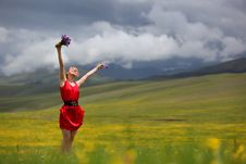 Free The Girl In Mountains Royalty Free Stock Photography - 14884397
