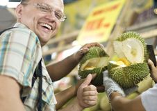 Free Durian Fruit Royalty Free Stock Photos - 14888928