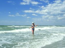 Free Woman Goes From The Sea Royalty Free Stock Photography - 14891907