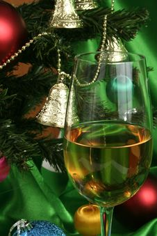 Free Glass Of White Wine On A Beautiful Christmas Background Stock Photography - 1496472