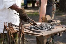 Free Blacksmith At Work Royalty Free Stock Photography - 14902117