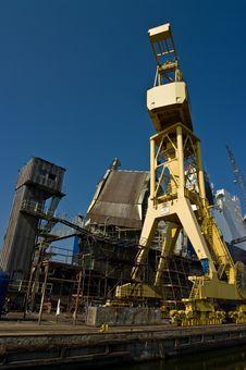 Free Shipyard Crane Royalty Free Stock Images - 14904049