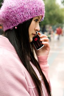 Free Beautiful Girl Calling Stock Image - 14907331