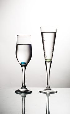Free Two Glasses Royalty Free Stock Photography - 14909577