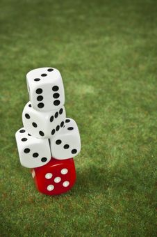 Free Piled Dice Royalty Free Stock Images - 14912369