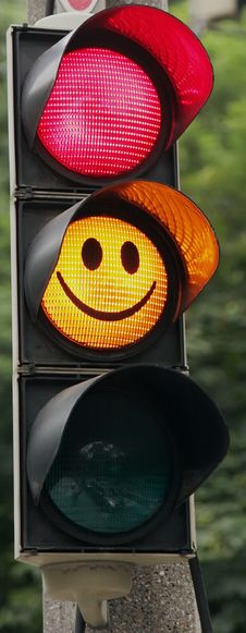 Free Smiling Traffic Signal Royalty Free Stock Image - 14913466