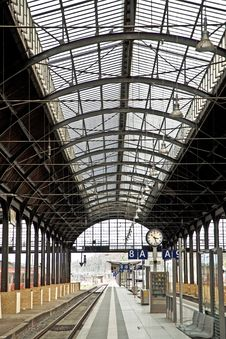Free Classicistic Iron Train Station From Inside Royalty Free Stock Photo - 14914615