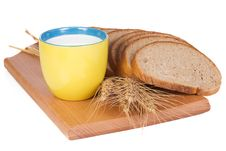 Free Cup, Bread And Board Royalty Free Stock Photography - 14915677