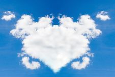 Clouds In The Form Of Heart Royalty Free Stock Photos