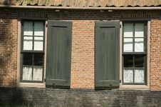 Free Windows Of Old House Royalty Free Stock Photos - 14917308
