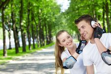 Free Smiling Couple In Park Stock Photo - 14917960