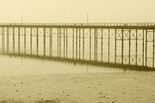 Free Mysterious Brige In Misty Day Royalty Free Stock Photos - 14918058