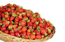 Free Strawberries In Basket Royalty Free Stock Image - 14919186