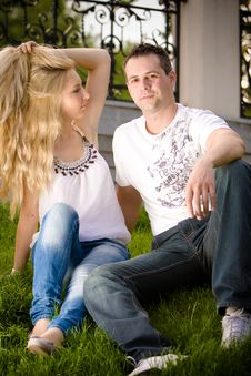 Free Young Couple Having Fun Royalty Free Stock Images - 14921539