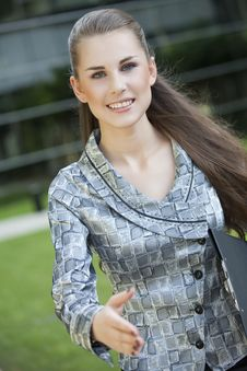 Free Young Woman Giving Hand Royalty Free Stock Photos - 14921978