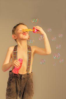 Free Soap Bubbles Royalty Free Stock Photos - 14923278