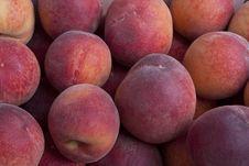 Free Pile Of Peaches Royalty Free Stock Photos - 14927238